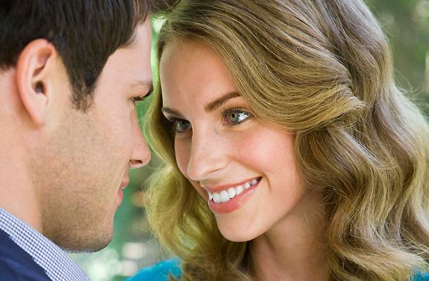 Ha egy férfinak ellágyul a hangja, amikor hozzám beszél, akkor tetszem neki?