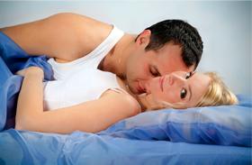 Szexpóz csikló kényezetetése