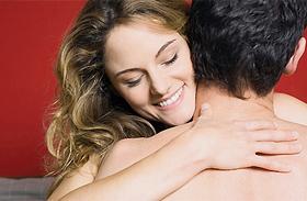 4 vérforraló szexpóz, huncut szexjátékszerekkel (18+)