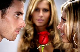 Vigyázz, mert a te párodra is lecsaphatnak - Ezért kelendőbbek a foglalt férfiak