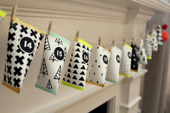 Ha a színes papírral bevont gurigákat egy kicsit ferdén meghajtod, majd sorban, ízlésesen felaggatod őket, nagyon látványos eredményt kaphatsz, amely egyben a lakás különleges dísze is lehet. Gyerekek és felnőttek egyaránt imádni fogják!