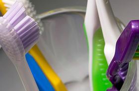 5 praktikus és higiénikus fogkefetartó