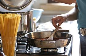 A makacs konyhai szagok hatékony ellenszerei - Nem kell a szagelszívó!