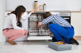Ettől büdösödik be a mosogatógép