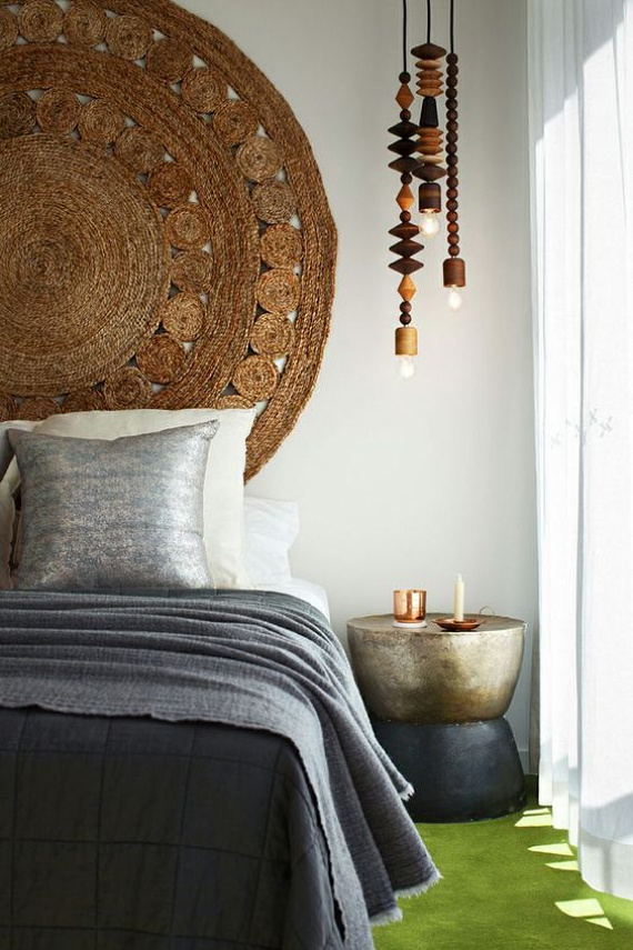 A rattan stílusú szőnyegek varázslatos falidíszként szolgálhatnak a hálószobában vagy a nappaliban. Párosítsd barna és világosszürke vagy fehér kiegészítőkkel a természetes hatásért.