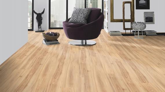 Laminált padló a könnyű tisztíthatóságért                         Érdemes laminált padlót vagy kőburkolatot választanod, amelyek sokkal könnyebben tisztán tarthatóak, mint a padlószőnyeg. Ha szereted a szőnyegeket a lakásban, akkor a padlóra tegyél le külön szőnyegeket, ahol sokat tartózkodsz, például a nappaliban a kanapé mellett. Ezeket pedig vidd el évente-kétévente tisztítóba, ahol szakszerűen kitisztítják neked.