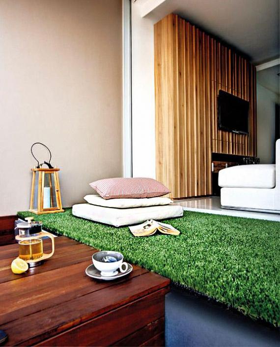 Nem kell megvárnod a nyarat, ha szeretsz a szabadban olvasni, pihenni! Alakíts ki saját beltéri fekvőhelyet vagy egy nyugisarkot. Egy matracot is bevonhatsz műfűvel, így igazán puha talajt alkothatsz a természetben való pihenéshez