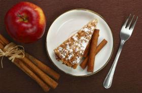 Almás-fahéjas bögrés süti
