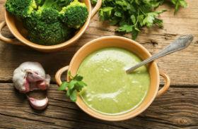 Brokkolikrémleves receptje
