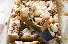 Omlós diós-csokis süti: fél óra alatt kész