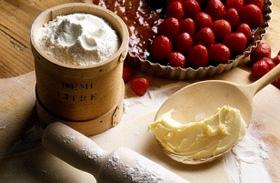 Omlós, tejszínes, epres tortácskák - Bűnös édesség nyári délutánokra