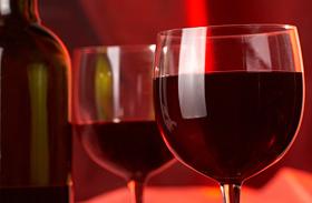 Gazdag, szaftos pörköltek vörösborral