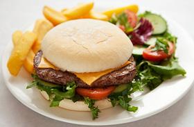 Hamburger otthon készítve - Ha nem akarod gyorsétterembe vinni a csemetéket