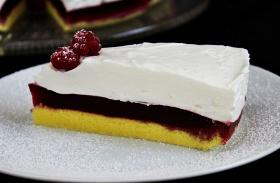 Málnás-tejfölhabos torta