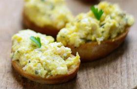 Mustáros tojáskrém