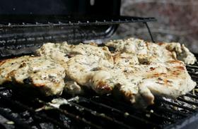 Mustáros sült hús az első grillezéshez