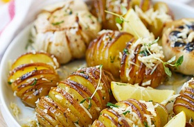 Parmezános, fűszeres harmonikakrumpli