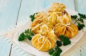Sonkás-sajtos palacsintabatyuk