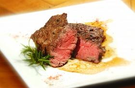Steak babsalátával