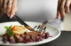 Mennyi húst kell enni?