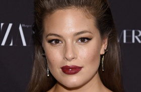 Ashley Graham szupermodell narancsbőr
