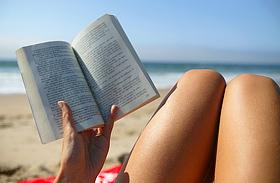 5 letehetetlen regény nyaraláshoz - Könnyed, csajos olvasmányok