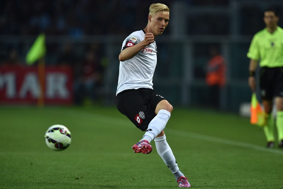 Hördur Björgvin Magnússon, a Cesena jégszőke játékosa 23 éves.