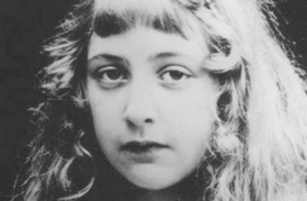 Agatha Christie fiatalon