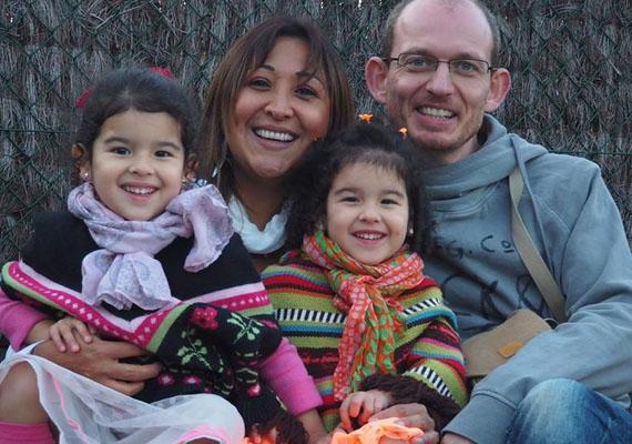 Az áldozatok között van egy kétgyermekes anyuka, Adelma Tapia Ruiz, aki a férjével és két hároméves kislányával tartózkodott a reptéren, New Yorkba utaztak volna rokonokhoz.