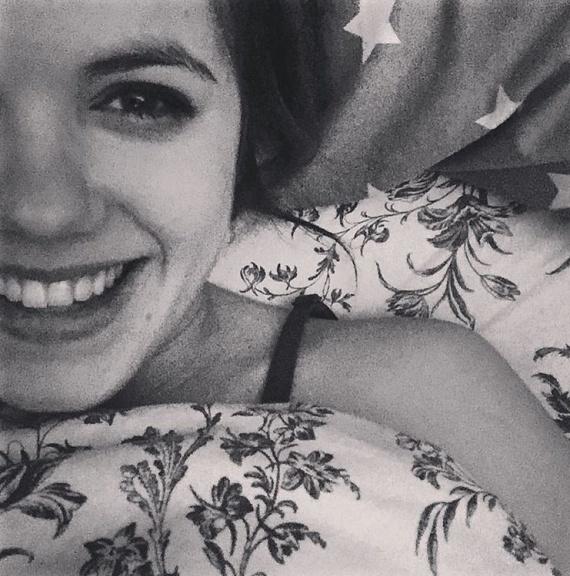 Adél az utóbbi időben megosztott minden egyes fényképén boldogan mosolyog.