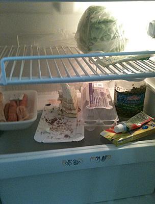 A hűtőnk tartalma. Tápláló ételek.