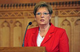Hoffmann: intenzívebb lesz a pedagógusok munkája, de béremelés is jön