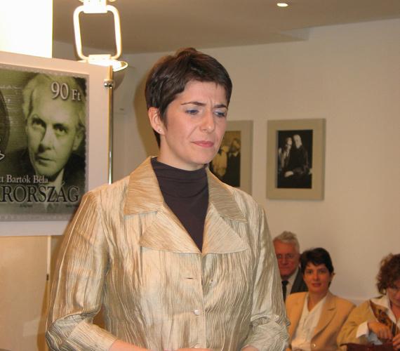 A Demokratikus Koalíció Platformjának elnökének, Gyurcsány Ferencnek a felesége - Dobrev Klára - liberális first lady, aki saját karrierépítésbe fogott: volt például Medgyessy kabinetfőnöke is.