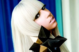 Alig lehet felismerni: így néz ki Lady Gaga smink nélkül