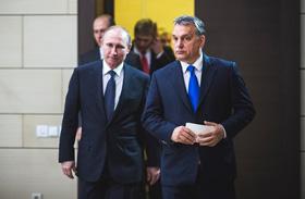 Orbán Putyinnal