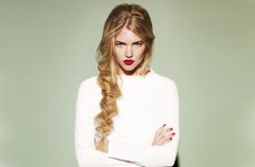 Őszi frizura vékonyszálú hajból