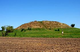 Furcsa lelet a Gödény-domb belsejében - Kit temettek a magyar piramisba?