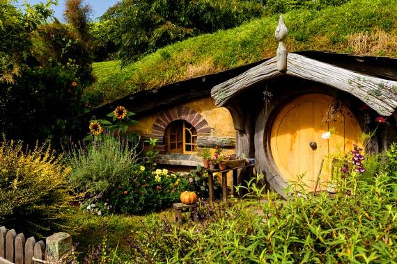 http://static.femina.hu/utazas/hobbiton-falu/hobbiton_4.jpg