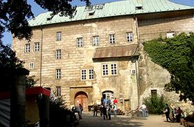 Houska-kastély