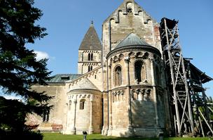 A templom hátsó része