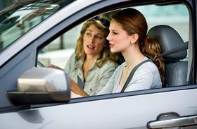 Újabb megszorítások jönnek? Tovább drágulnak az autósok költségei