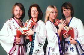 ABBA fellépőruhái