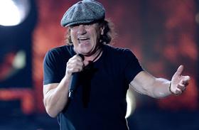 AC/DC énekesét lecserélik