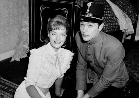 Bár Delonnal való szakítása után Romy kétszer is megházasodott, már sosem találta meg a boldogságot. Főleg, hogy a sors ismét összehozta őket: 1968-ban, szakításuk után öt évvel a Medence című filmben alkottak szerelmespárt. Ekkor a színész azonban már Nathalie Barthélemy férje volt.