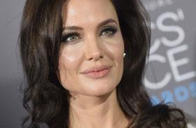 Angelina Jolie betegesen sovány