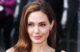 Angelina Jolie fiatalkori bikinis fotók
