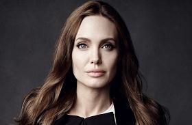 Angelina Jolie vékony
