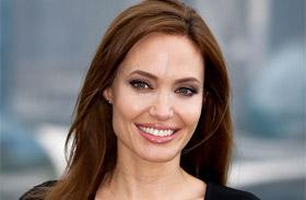 Angelina Jolie apja testvére