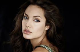 Angelina Jolie kamaszként