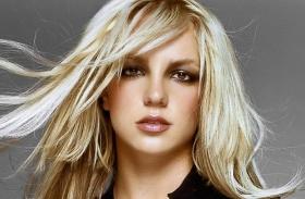 Britney Spears átlátszó dressz
